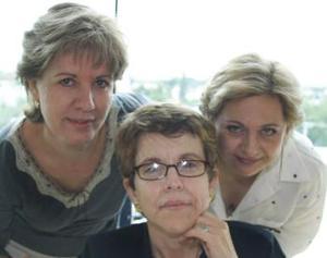 Aracely Martínez Cassani, Lety M. de Álvarez y Maribel Rodríguez.l