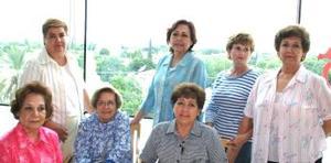 <u><i> 25 de Agosto </u></i><p>   Pamela y Angélica Machuca, Carmen Siller, Esthela de Aguero, Esthela Collazo, Lula de Aguirre y Paty Mota de Villarreal.