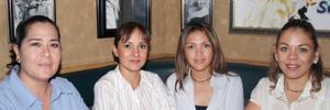 Gabriela Meléndez, Elvira de Escalera, Paty de mota y Tere Rodríguez de la Fuente.
