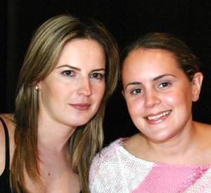 Laura de Mansur y Brenda Baille de Villalobos.