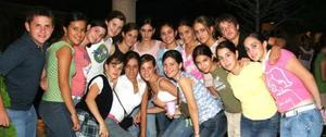 Grupo de amigos que despidió a Salua Juan Marcos por su viaje a Escocia.