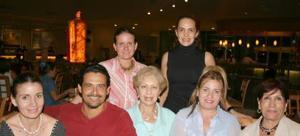 <u><i> 27 de Agosto </u></i><p>  Mónica Arteaga, Arturo Pedroza, Yolanda de Pedroza, Susana Arteaga, Carmina de Arteaga, Ale de Martínez y Silvia Soto.