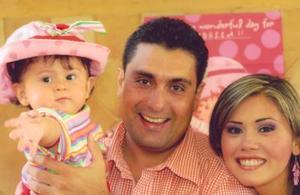 La festejada en compañía de sus papás, Eduardo Anaya Kessler y Massiel Manzanera de Anaya.