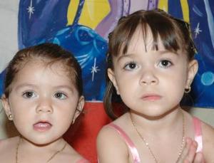 Karen Lizeth y Janeth astrid Ortiz Magdaleno festejaron dos y tres años de vida, con un divertido convivio infantil que les ofrecieron sus papás.