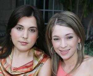 Paola Gónzalez y Liliana Uribe de Valdés.