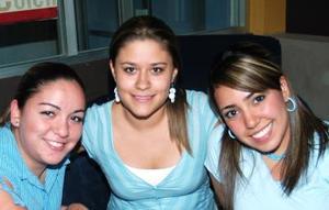 Laura Reyes, Vanesa y Rocío Monroy.