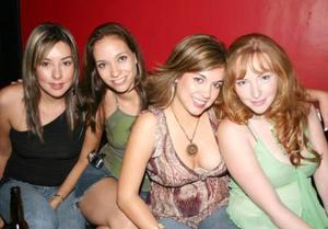 Sofía Briones, IVette Castillo, Jenny Frías e Isadora Acuña