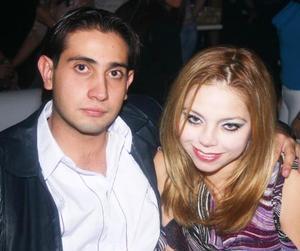 Iván Álvarez y Kathy Arredondo Torres.