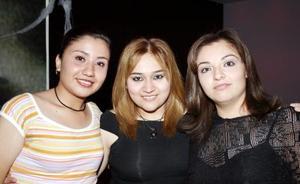 Xiomara Álvarez, Mayela Ramírez y Rubí Marrero.