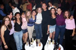 Pamela, Claudia, Laura, Kasrina, Yaneth, Sofía, Marlon, Verónica, Mayra y Gaby.