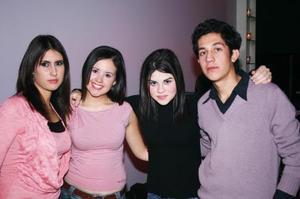 Fahra Zarur, Landy Sánchez, Brenda Oviedo y Fer Nava.