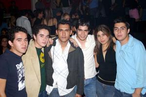 Marina Barro, Ale Montañez, Gustavo Montañez, Víctor Ruiz, Luis Olvera y Octavio Olvera