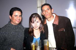 Arturo Gamboa Chacón, Esmeralda Escobedo e Israel Aldape.