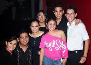 Gaby Ríos, Hugo Valenzuela, Ilse Arreola, Mariana Zapata, Daniela Velásquez, José Muñoz y Beto Espino