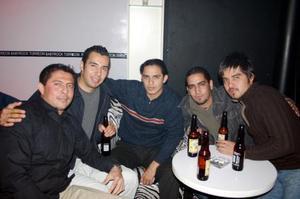 D-Andrés Islas, Víctor Alvarado, Luis Carrillo, Felipe Ramírez e Iván Lara