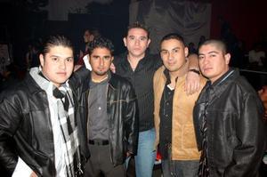 D-Miguel Vázquez, Antonio Véiz, Joel Eduardo, Miguel Morón y Aldo Alvarado