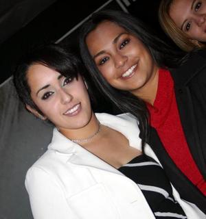 D-Sugey Berenice y Candy Luna