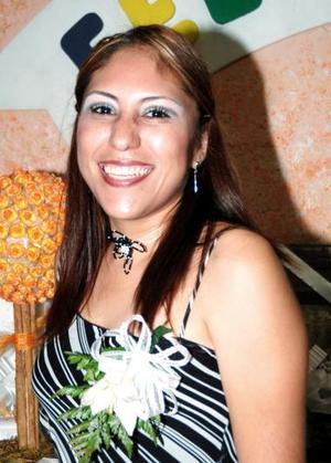 <u><i> 01 de Septiembre de 2004</u></i><p>  Sandra Rocío Martínez Pérez, captada en su despedida de soltera.