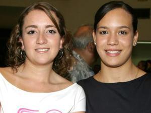 Alma Villalobos y Gina Núñez.