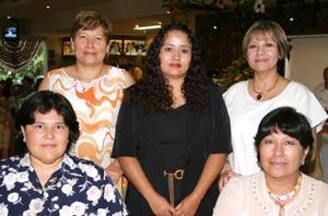 Bety Velasco, Ana María de Ortiz, Lolis de Chavarría, Mayela de Treviño y Carmen de Candelas.
