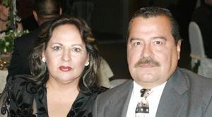 Patricia de Ramos y Donaldo Ramos.
