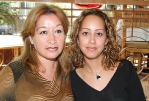 Selene Landeros y Carmen Luna.