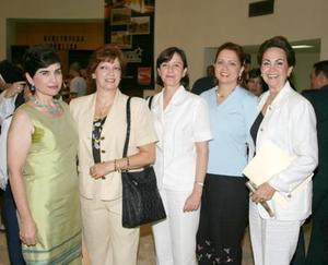<u><i>01 de Septiembre de 2004</u></i><p>  Cecilia Ramírez Hamdan, Olga Estrada Atollini, Lilia de la Peña, Gloria López Negrete y Yeye Romo, en la presentación del libro En el Umbral del Centenario.