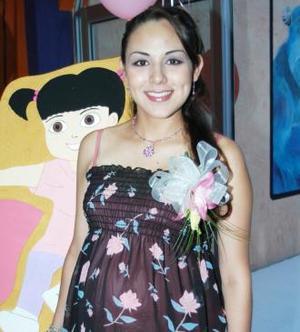 <u><i>01 de Septiembre de 2004</u></i><p>  Mónica Ortiz de González, captada en la fiesta de canastilla que le ofrecieron al bebé que espera.