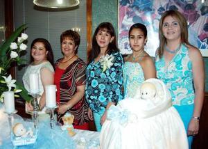 <u><i> 03 de Septiembre de 2004</u></i><p>  Nidia Arlet Becerril de Samaniego en compañía de Ivonne Becerril, Sococrro de Becerril, Ivonne Samaniego y Gaby de Becerril, organizadoras de su fiesta de canastilla.