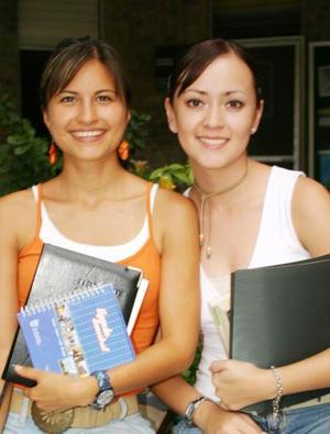 Cecy Campos e Idalia Anaya.