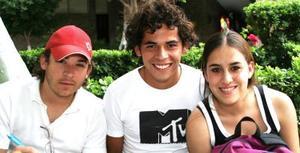 Daniel Carmona, Jorge Navarro y Mariana Vargas.