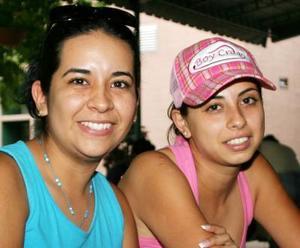 <u><i> 03 de septiembre de 2004</u></i><p>  María José Hernández Quintero y Brensa Izela Cruz Valdez.