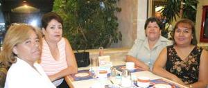 Elvia Gutiérrez, Claudia Názer, Laura Sarmiento y Tita Wong.