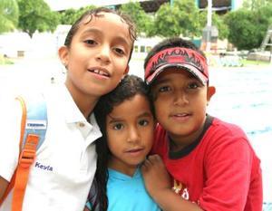 Blanca, Kelia y paco Ramírez Muñoz.