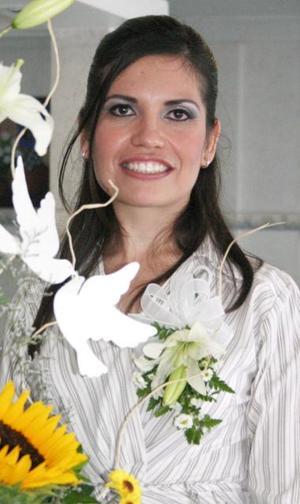 María Olivia Fernández Madinaveitia, captada en su despedida de soltera.