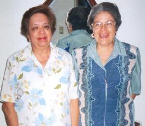 Margarita bañuelos del Río y Ana María Bañuuelos, en pasado festejo social..jpg