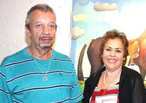 Mario Zaragoza y Rosa María Palafox de Zarzoza..jpg