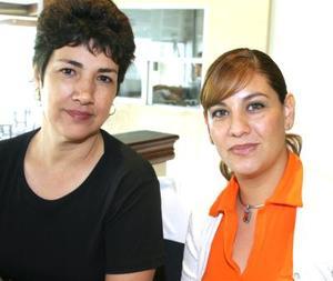 Adriana de   Ríos y Carolina de Farías..jpg