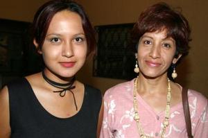 Beatriz Zamora y Estela García..jpg