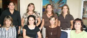 Paulina Diez, Caro Guerrero, Ivonne Ramírez, Cecy de Pérez, Lucy Seijas, Rosario Garza, Claudia Araujo y Adriana Ramírez.