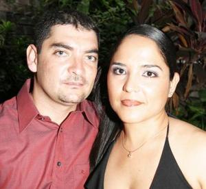 Sr. Ángel Eduardo Silva Sánchez y Srita Alicia Isabel Hernández Díaz de León contrajeron matrimonio civil el martes 31 de agosto de 2004.