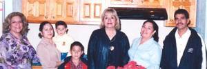 <u><i> 05 de Septiembre de 2004</u></i><p>   Yolanda Quintero, Julieta de Adame, Anita de Parada.