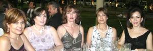 Coco Gallegos, Nunó Derbez,  Kitty Cazale, Marcela Lira y Susana Quintero.