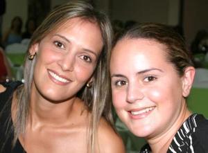 Celina López de Cruz y Brenda Baile de Villalobos.