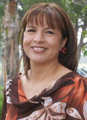 Lidia González de Ororzco festejó su cumpleñaos en días pasados, con un agradable convivio.