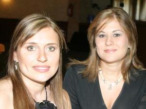 Mary V. de Muñoz y Noeli López de Barba.