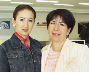 <u><i> 11 de Septiembre de 2004</u></i><p>   Ana Sofía Martín Bello y Bertha Bello de Martín viajaron al Distrito Federal