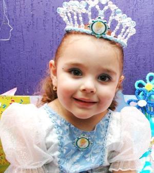 Andrea Vázquez Bautista festejó su tercer cumpleaños, con un divertido convivio infantil que le ofrecieron sus papás.