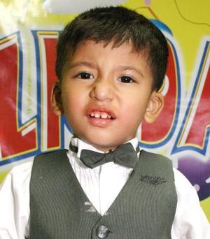 Carlos Torres Martínez, celebró su tercer cumpleaños en días pasados.