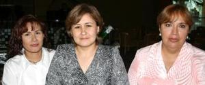 Rebeca, Tete y Sandra Armendáriz.